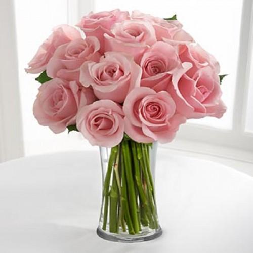 pink roses in vase the image kid has it. Black Bedroom Furniture Sets. Home Design Ideas
