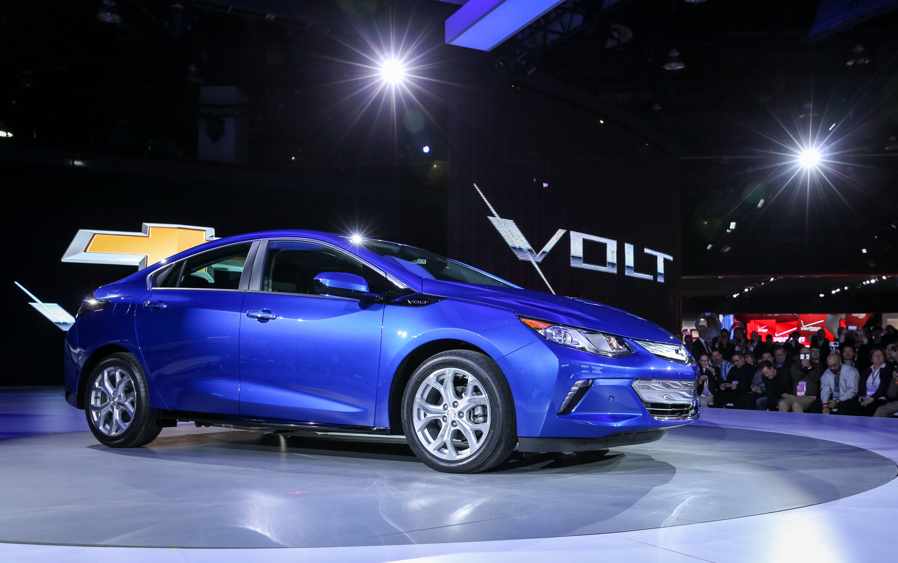 New Chevy Volt Electric Car Can Go 50 Miles On A Single Battery