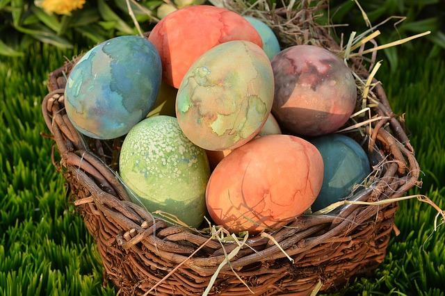 easter-eggs-1242796_640