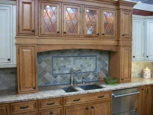 Kitchen_cabinet_display_in_2009_in_NJ
